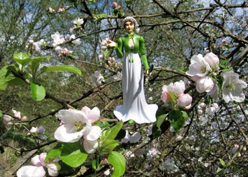 Image of Jane Austen commanding the apples to bloom