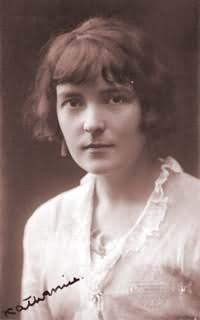 Portrait of author Katherine Mansfield