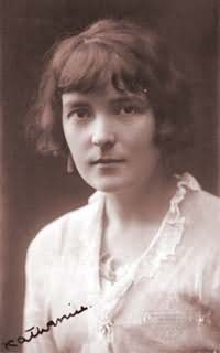 Portrait of author Katherine Mansfield