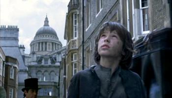 Oliver enters London in Oliver Twist (2007)