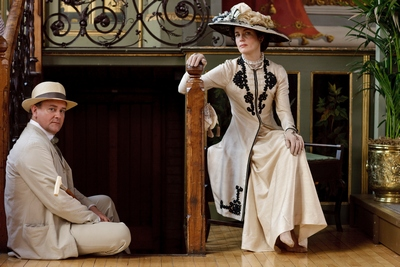 The Earl of Grantham (Hugh Bonneville) and Countess Grantham (Elizabeth McGovern) in Downton Abbey (2011)