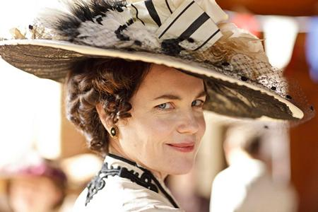 Image from Downton Abbey Season One: Elizabeth McGovern as  Lady Grantham © Carnival Film & Television Limited 2010 for MASTERPIECE