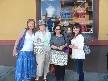 Shopping in Snohomish with Syrie, Laurel Ann, Diana and Julie (2012)