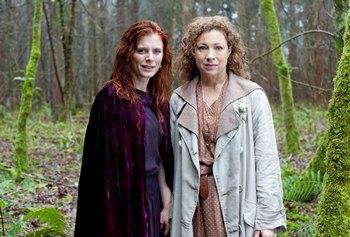 Image from Upstairs Downstairs Season 2: Emilia Fox & Alex Kingston © 2011 MASTERPIECE