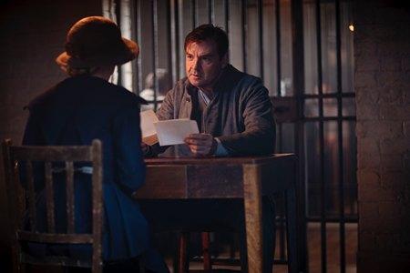 Downton Abbey Season 3 Episode 1: Anna and Bates talk in prison