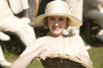 Downton Abbey Season 3, Lady Edith at cricket match, © Carnival Film