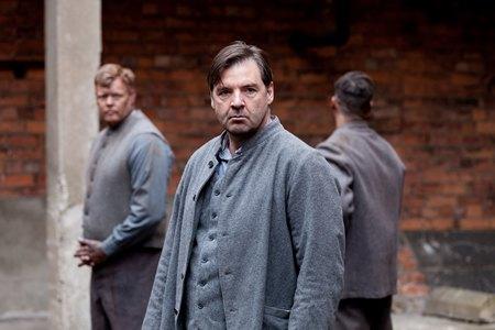 Downton Abbey Season 3 Episode 5: Mr. Bates in prison