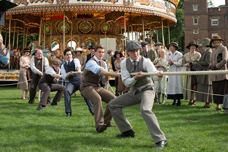 Downton Abbey Season 3 Episode 7: Rope pull at fair