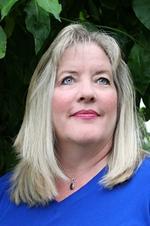 Author Shannon Winslow (2015)