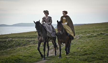 Ruby Bentall and Eleanor Tomlison in Poldark (2015 )
